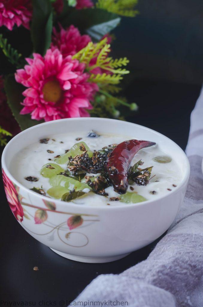 Green grapes yogurt dip