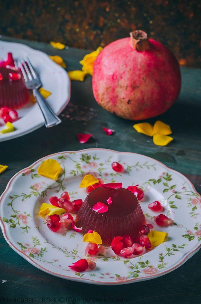 jelly made of pomegranate arils